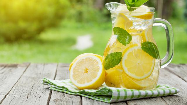 Lemon, Lemongrass Infused Water