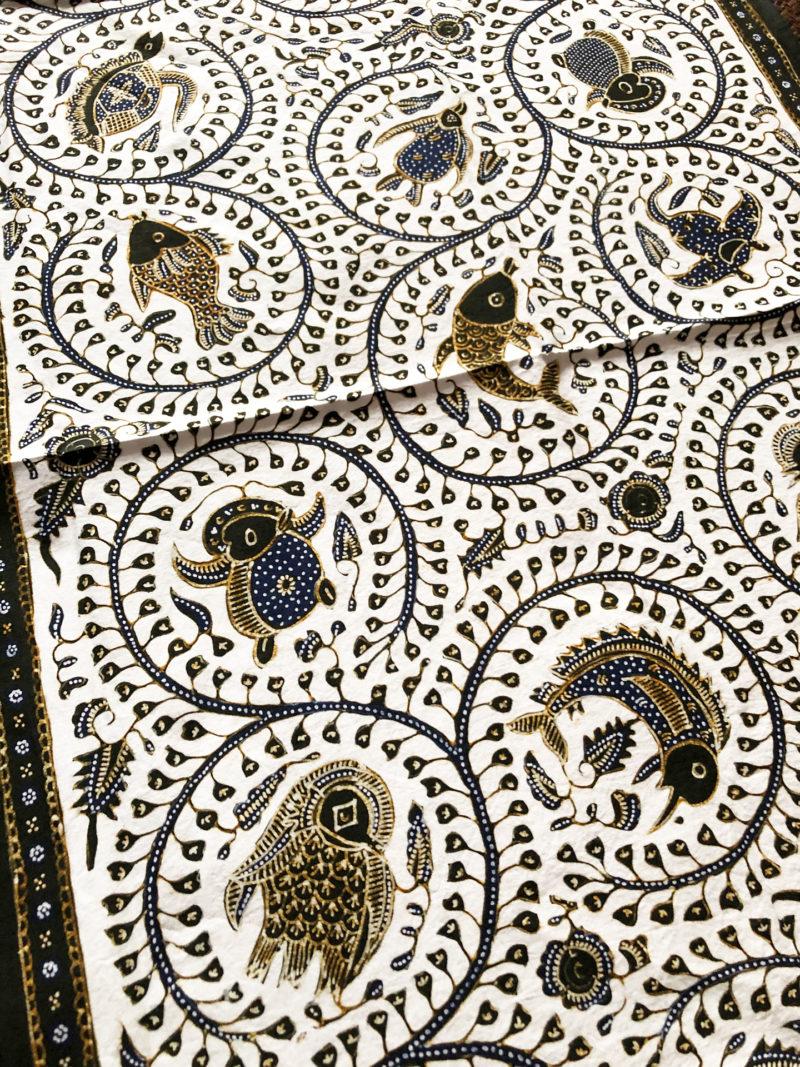 kain batik motif Amabie