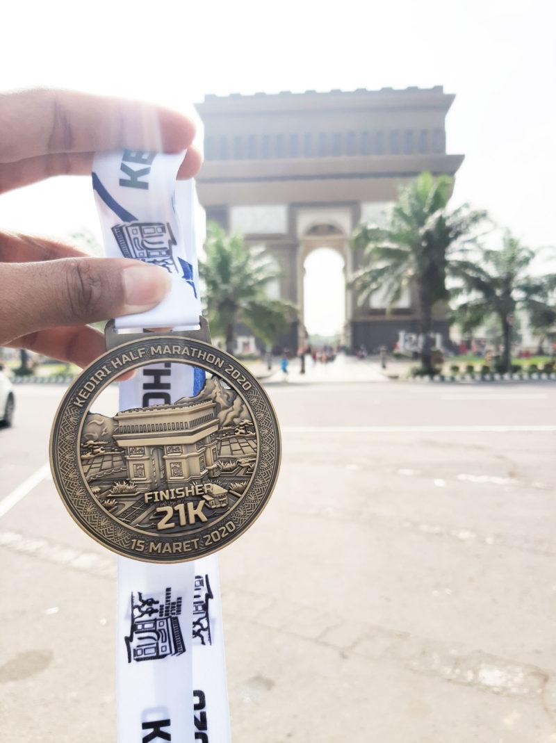 medali Kediri Half Marathon