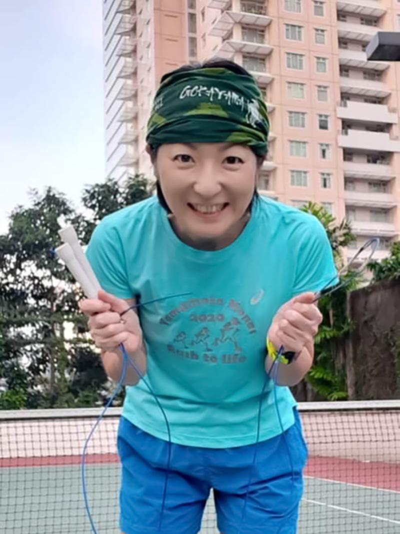 Mariko Murata dengan tali skipping