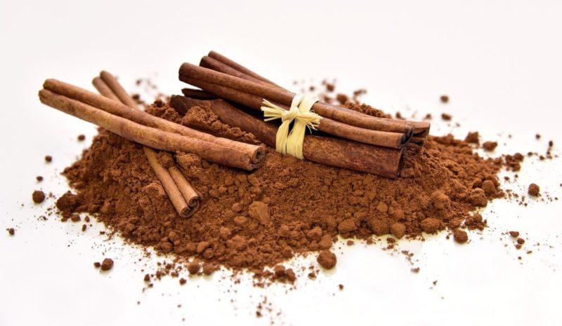 kayu manis batang dan bubuk